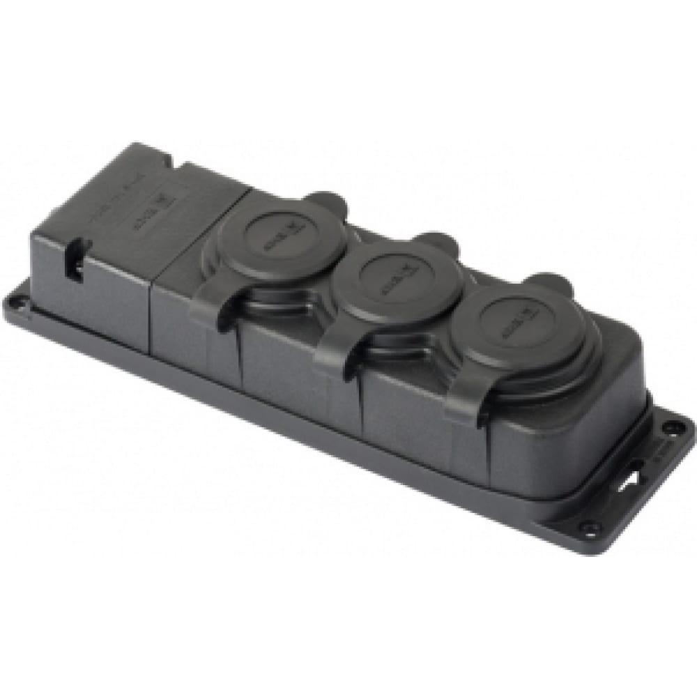 Трехместная розетка с защитными крышками ekf, каучуковая 230в 2p+pe 16a ip44 pro rps-015-16-230-44-r