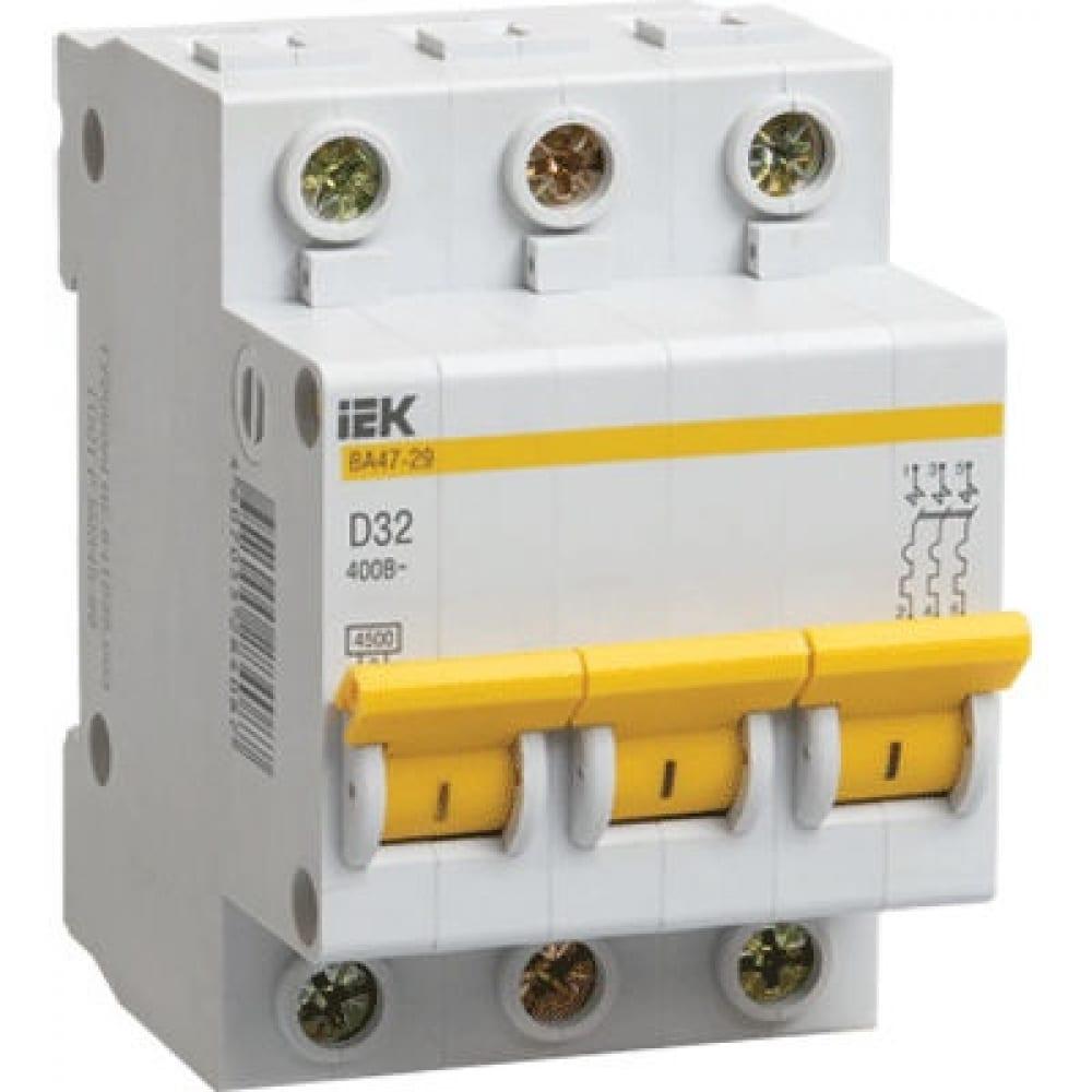 Автоматический 3-полюсный выключатель, 16а, d ва47-29 4.5ка iek mva20-3-016-dАвтоматические выключатели<br>Вес: 0.309 кг;<br>Тип: модульный ;<br>Номинальный ток: 16 А;<br>Отключающая способность: 4.5 кА;<br>Тип расцепления: D ;<br>Вид: автоматический выключатель ;<br>Серия: ВА47-29 ;<br>Количество полюсов: 3 ;