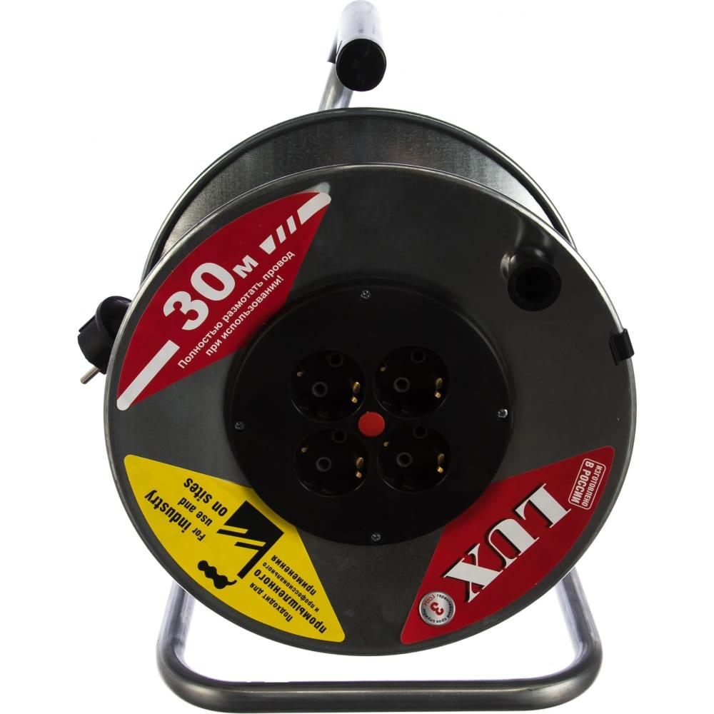 Силовой удлинитель на металлической катушке lux к4-е-30 30м 4 розетки с з/к 45130 4606400419464
