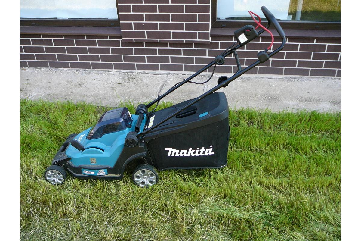 аккумуляторная несамоходная газонокосилка Makita Dlm432pt2